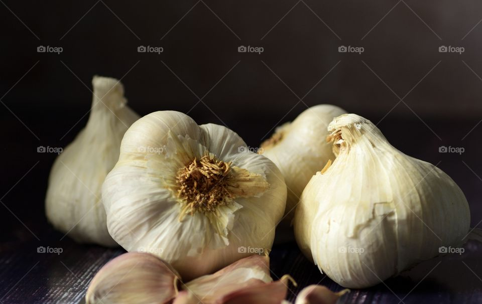 Garlic heads and cloves