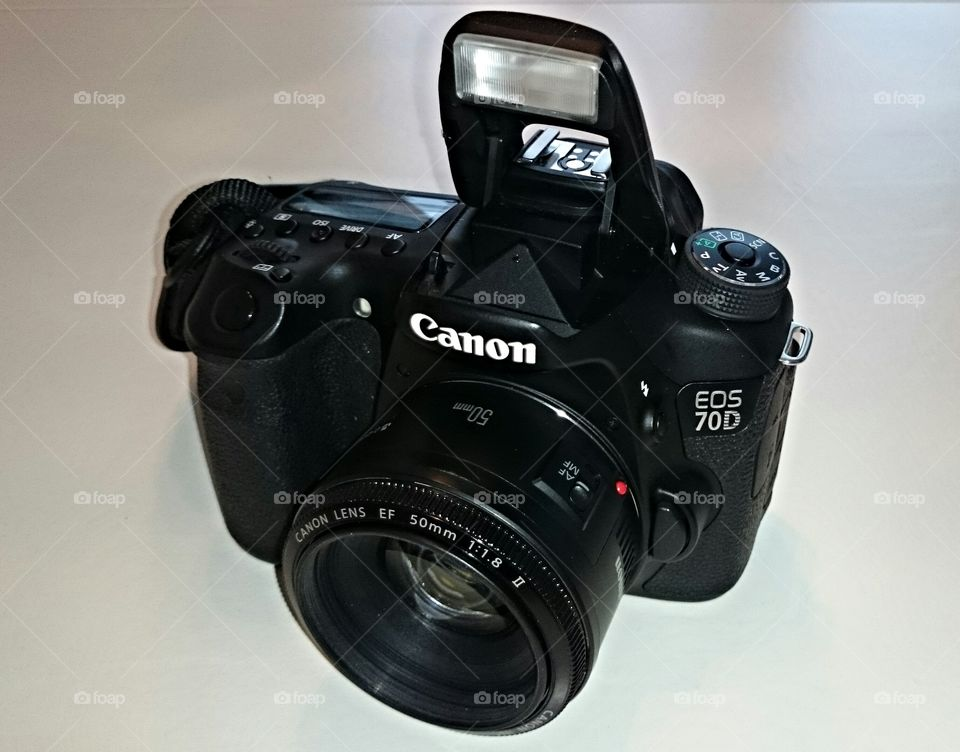 Digital camera. Digital SL Canon EOS 70D