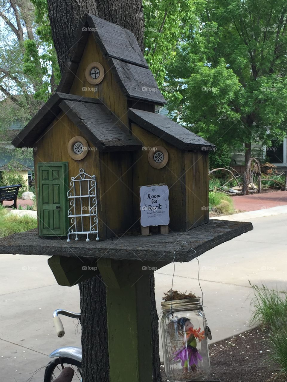 Fairy Quest. Room for Rent! Pixie Home. Fairy Homes & Gardens. Pixie Hollow and Gardens. Gardner Village, in West Jordan, Utah. @chelseamerkleyphotos - Copyright © CM Photography. May 2019.