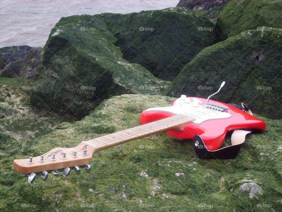 Guitar On The Rocks