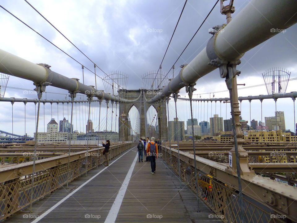 NEW YORK CITY BROOKLYN BRIDGE PATH