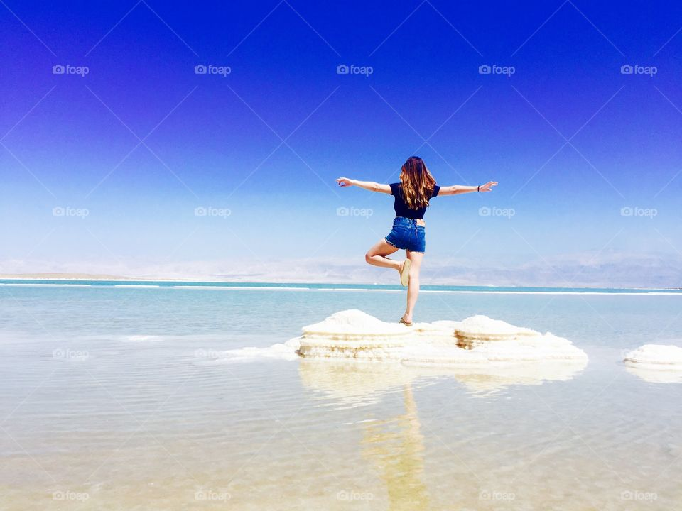 Fly to horizon