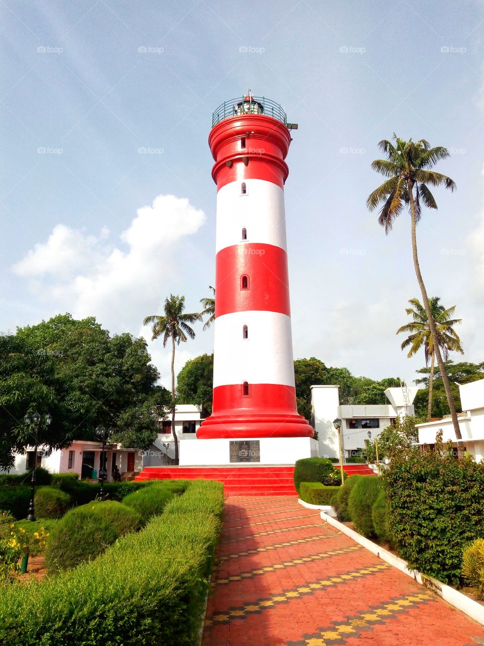 TheAlappuzha Lighthouse(orAlleppey Light) is situated in the coastal town ofAlappuzha,Kerala. It was built in 1862 and is a major tourist attraction.This is the first of its kind in the Arabian sea coast of Kerala.Alappuzha,Kerala,India