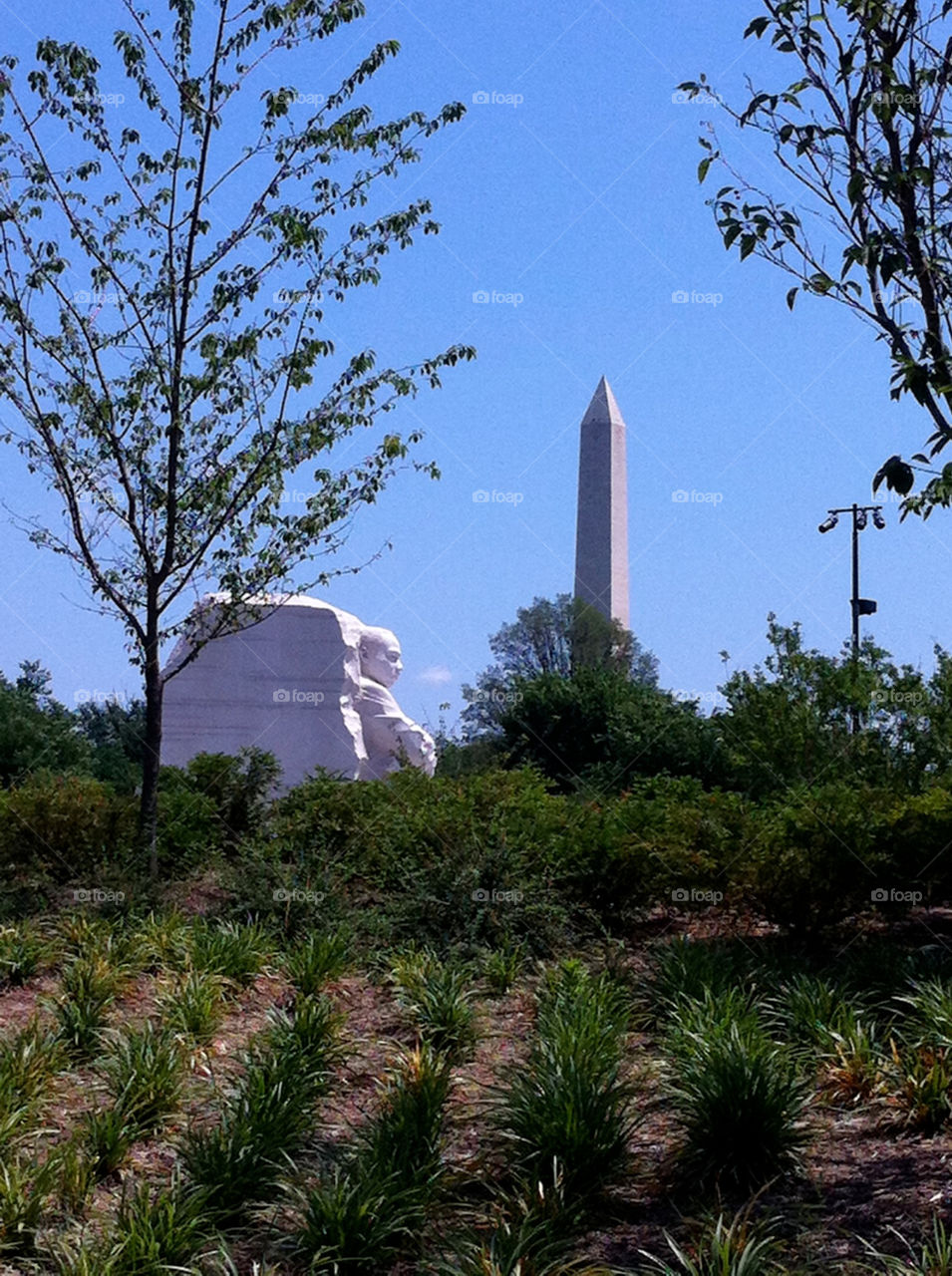 The Washington Monument with the MLK Memorial in the foreground.