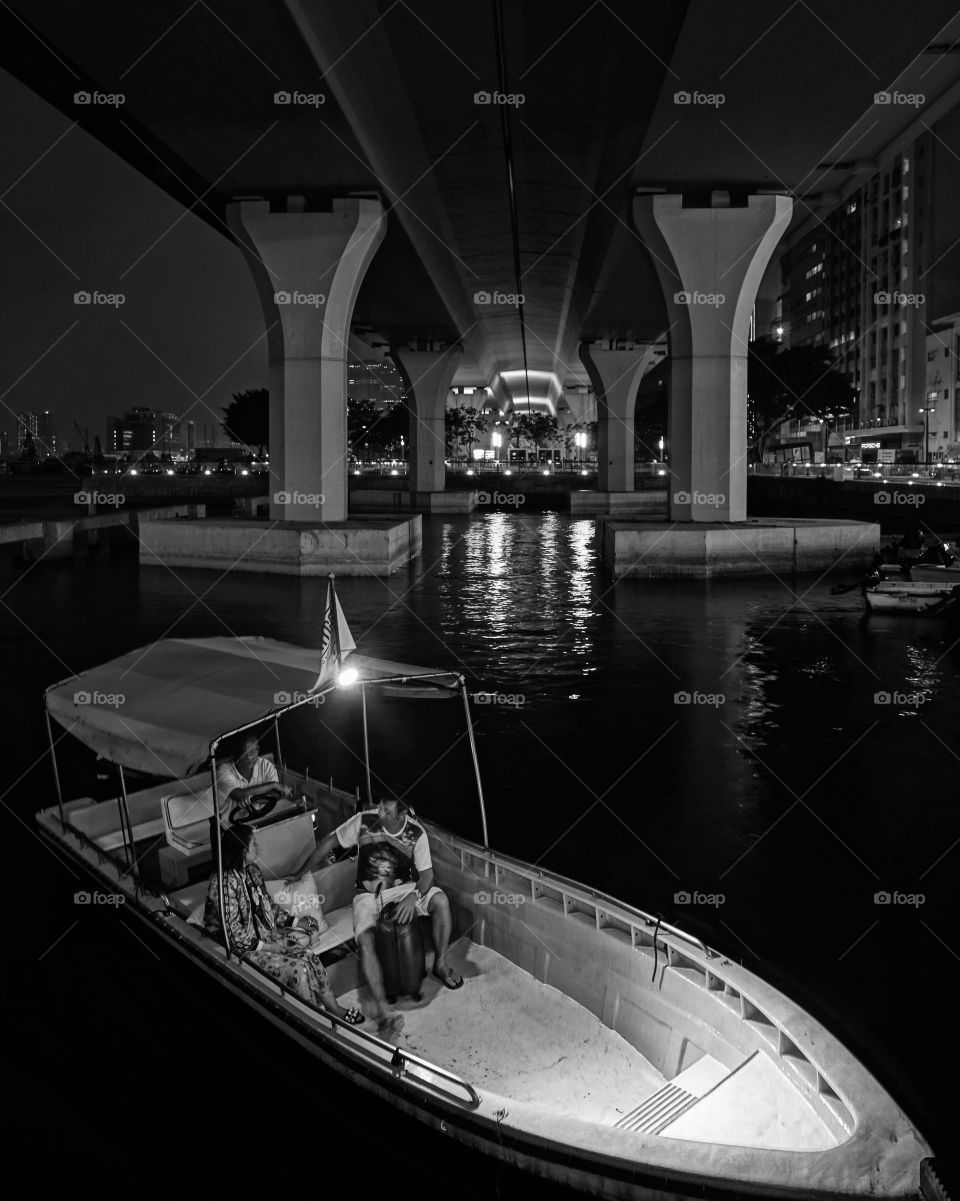 #夜航  #啟航 #boat #ferry #kwuntong #hk #pier #觀塘海濱 #2018 #nightwalk #洗頭艇 #sony6500 #nighttrip #midnight