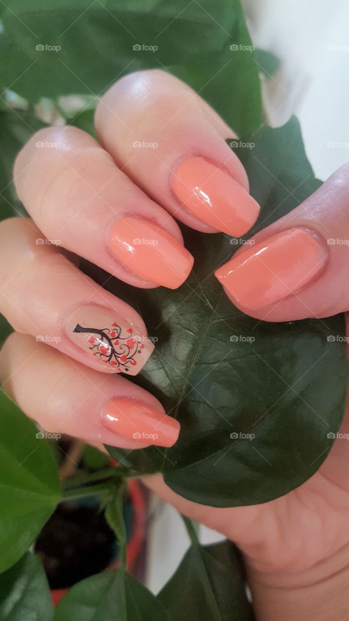 Gel manicure with a tree decoration