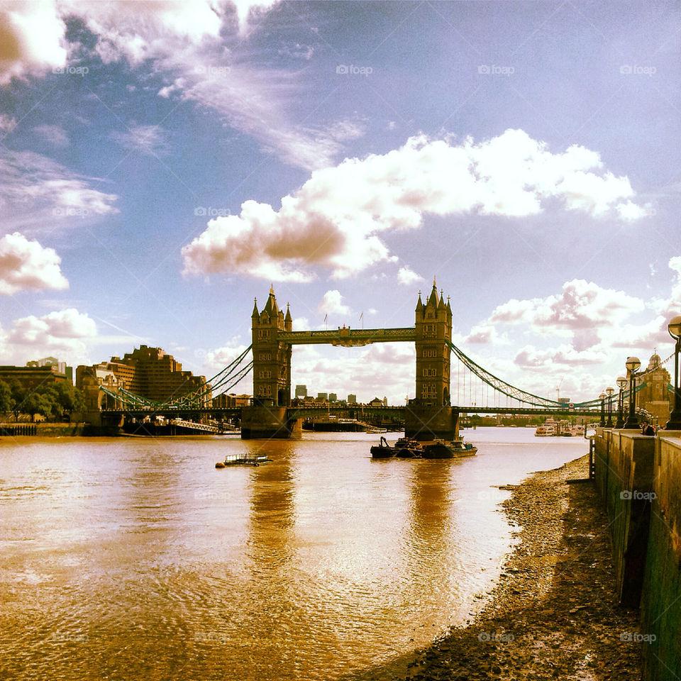 london river thames bridge by dperkins