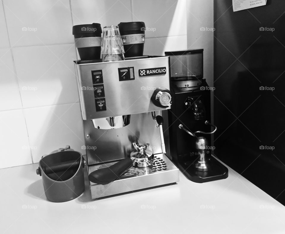 Rancilio Coffee. Rancilio coffee machine and doserless grinder.
