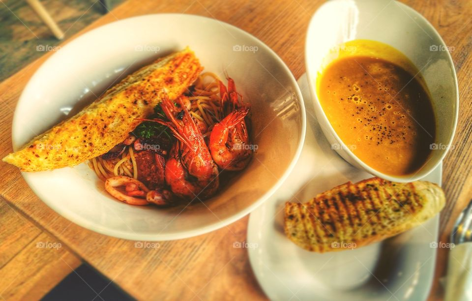 Seafood Spaghetti and Pumpkin Soup