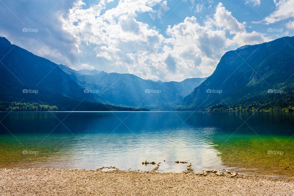 Scenic view of idyllic lake and mountains