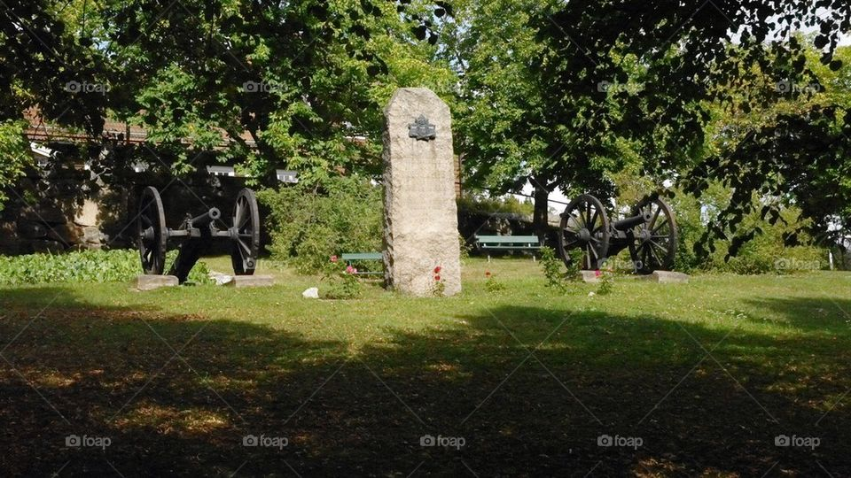 Cannons waiting | sweden, city, tourism, memorial