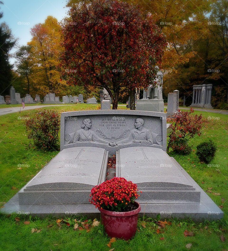 Eternal love . The ultimate gravestone - United forever