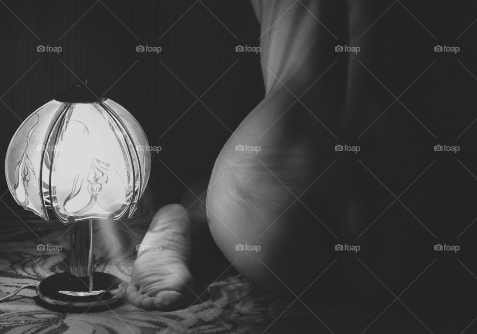 woman in the lamplight