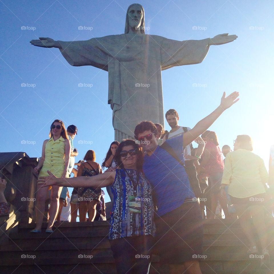 Cristo redentor . Family rio happiness