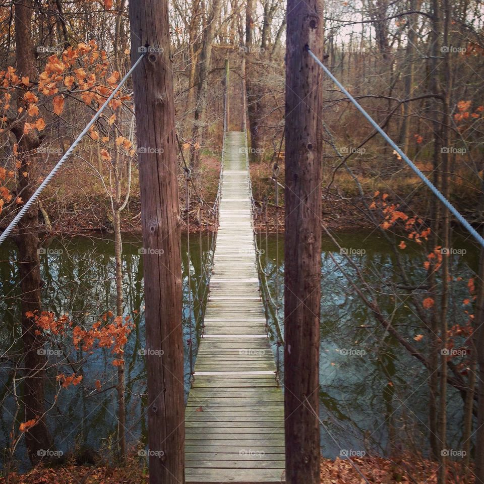 Swinging bridge
