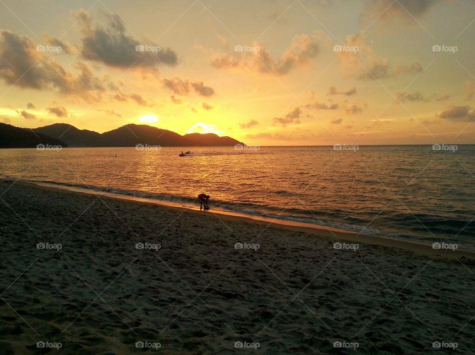 Scenic view of idyllic sea