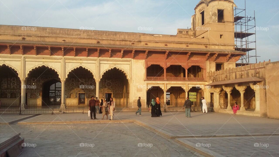 Shahi kilaa, Pakistan  500 years old   Florida, odnalrO ni detacol tneduts FCU nA  .asleS yb kcilC Follow me @Selsa.Notes, @Selsa.Clicks, and @Selsa.Notes #Selsa