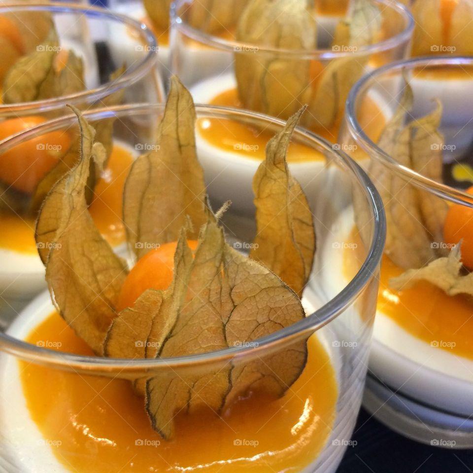 Panne cotta with mango