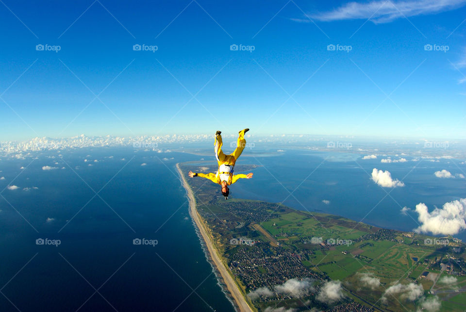 over sylt skydive headdown by seeker